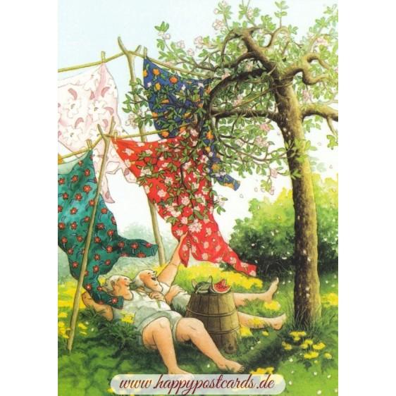 48 - Frauen liegen im Gras