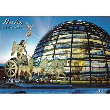Berlin - Quadriga und Glaskuppel - Ansichtskarte