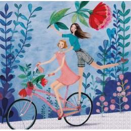 Zwei Frauen auf einem Fahrrad - Mila Marquis Postkarte